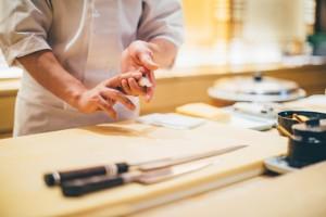 寿司はにぎるだけじゃない。かくれた行程を準備するのがクレド6ステップ導入マニュアルのステップ1